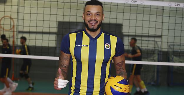 Kübalı smaçör Salvador Hidalgo Oliva Fenerbahçemizde