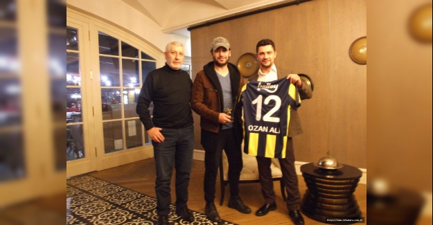 Ozan Akbaba'ya 12 Numara'dan Ödül...