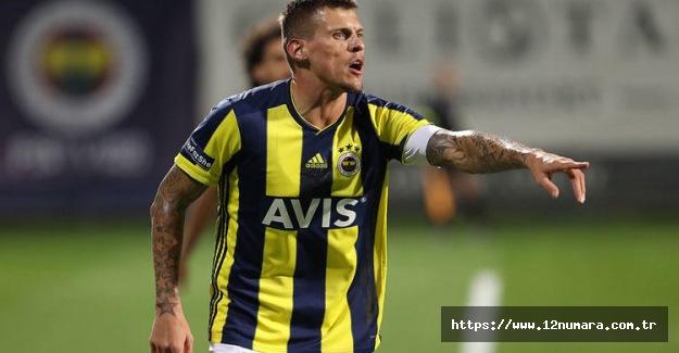 Fenerbahçeli futbolcumuz milli takımı bıraktığını açıkladı