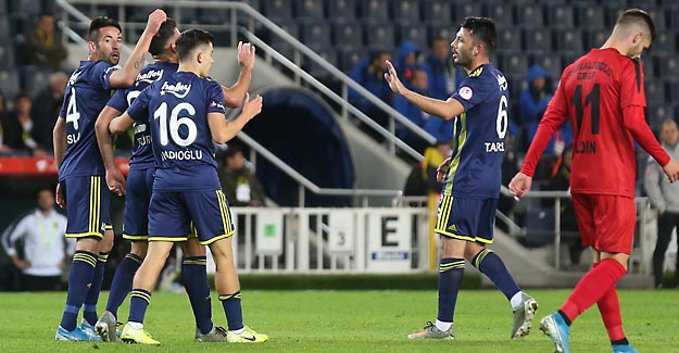 Sessiz maçta Fenerbahçe İstanbulspor'u 4 golle geçti