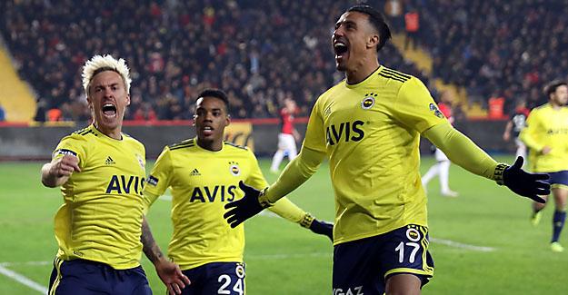 Fenerbahçe perdeyi 3 puanla açtı