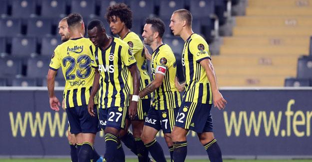 Mame Thiam, Kadıköy'de çıktığı ilk maçta hat-trick yaptı..