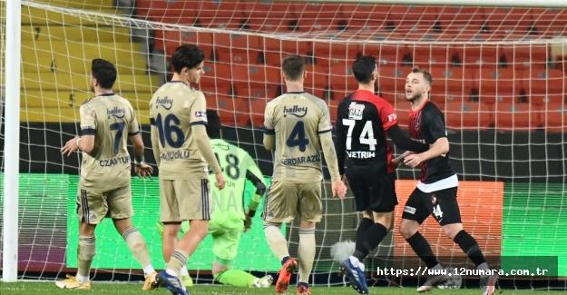 Fenerbahçe taraftarı üzmeye devam dedi : 3-1