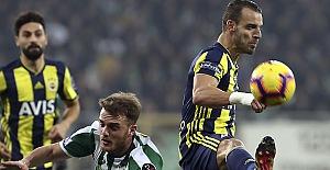 Fenerbahçe üzmeye devam ediyor: 1-1