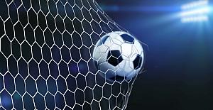 Galatasaray Fenerbahçeli iki yıldızın peşinde