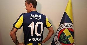 Max Kruse İmzaladı