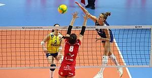 Fenerbahçe Opet, CEV Şampiyonlar Ligi'nde çeyrek finale yükseldi
