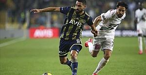 Fenerbahçe 1 puanı yine uzatmada kurtardı