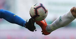 FIFA'dan bir maçta 5 oyuncu değişikliği önerisi