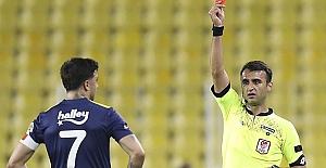 Ozan Tufan'ın 2 maçlık cezasını 1 maça indirdi