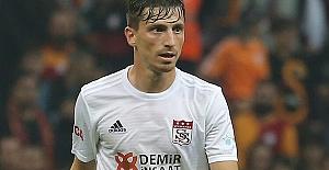 Taraftar: Mert Hakan iyi bir futbolcu ancak ne Fenerbahçe'nin geleceği olabilir...