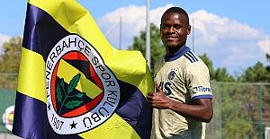 Mbwana Samatta: Umarım takımın önemli bir oyuncusu olurum