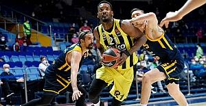 Fenerbahçe Beko eze eze gidiyor: 76-107