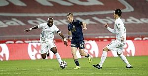 Fenerbahçe Konya'da 3 puanı 3 golle aldı