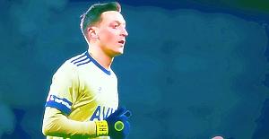 Fenerbahçe'de 10 numara Mesut Özil'e