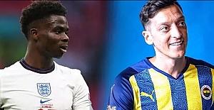 """Mesut Özil, Bukayo Saka'ya destek çıktı! """"Nasıl bir his olduğunu bilirim..."""""""