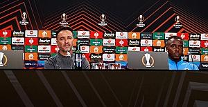 Teknik Direktörümüz Vitor Pereira ve oyuncumuz Bright Osayi-Samuel'den, E.Frankfurt maçı öncesi açıklamalar